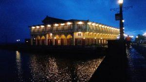 Hotel de Oriente at night